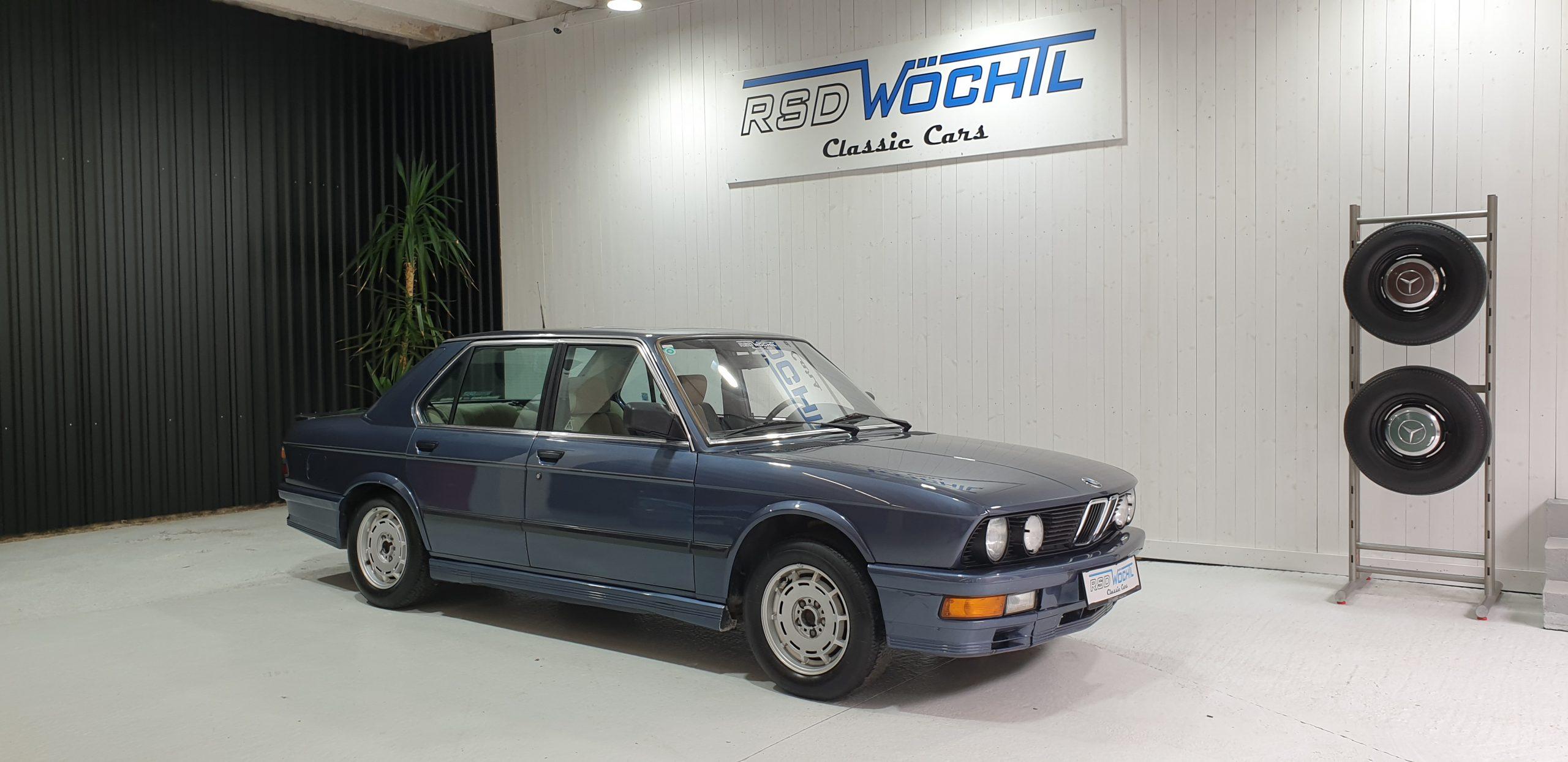 8.990 €